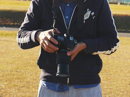カメラを持つ