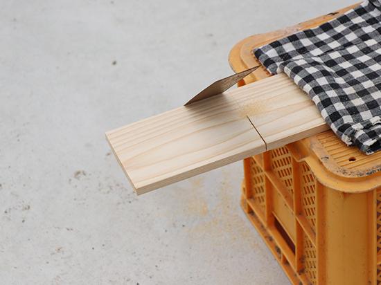 DIYのこぎりと板