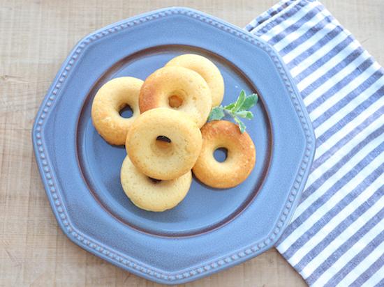 グルテンフリーの米粉の焼きドーナツ