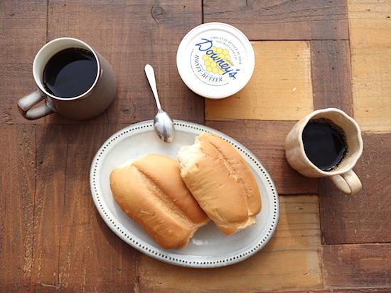 キッチンユノートルで朝食