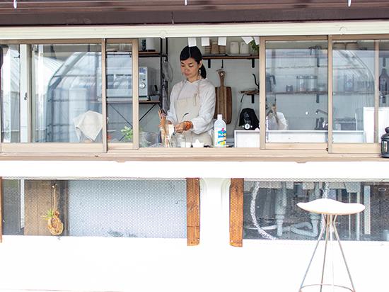 キッチンユノートル料理中