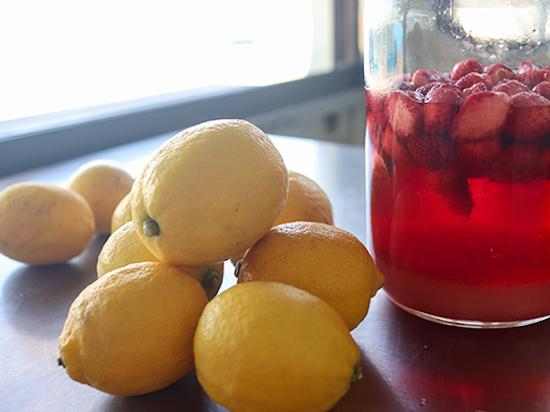 国産無農薬レモンといちごシロップ